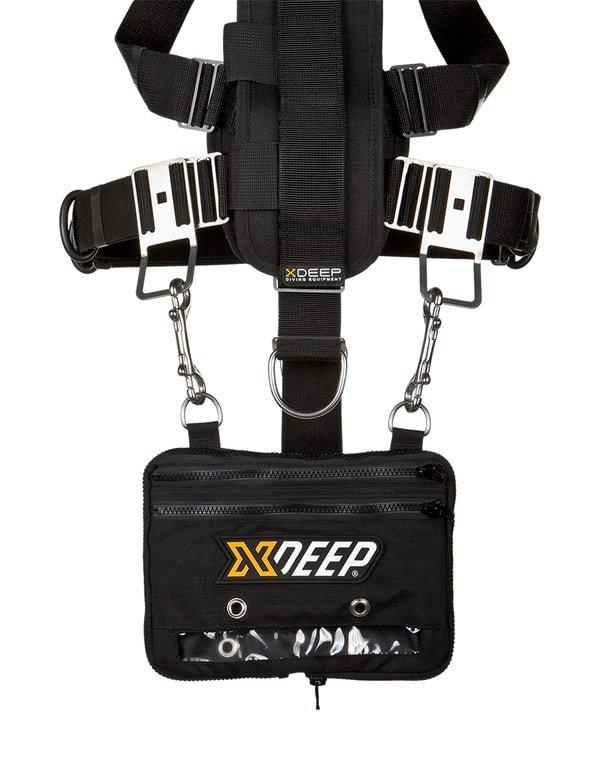 xdeep expandable cargo pouch appesa con i 2 moschettoni